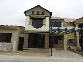 Casa de Estreno!!, Villa club - Etapa luna, 4 H, 3.5 Baños