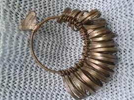 antiguo medidor de anillos del 1 al 33