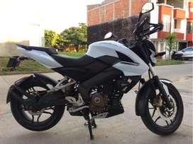 Pulsar NS 200 PRO Blanca Como Nueva