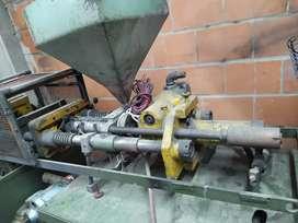 Venta de inyectora de plástico 90g automatica