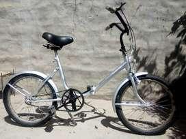 Bicicleta con ruedas nuevas