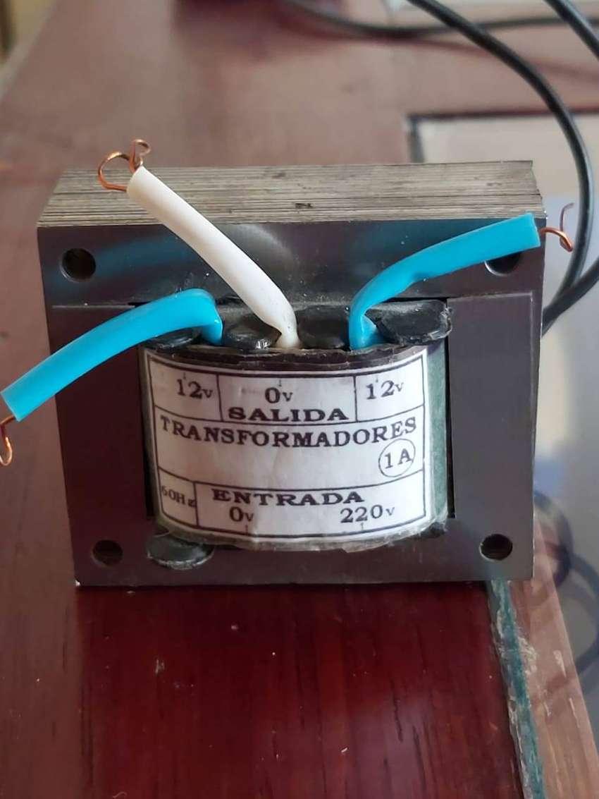 Transformador 220v AC - 12v AC 60hz 0