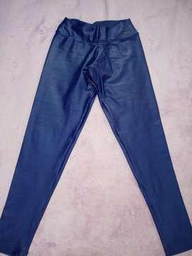 Legging femenina azul taller M.