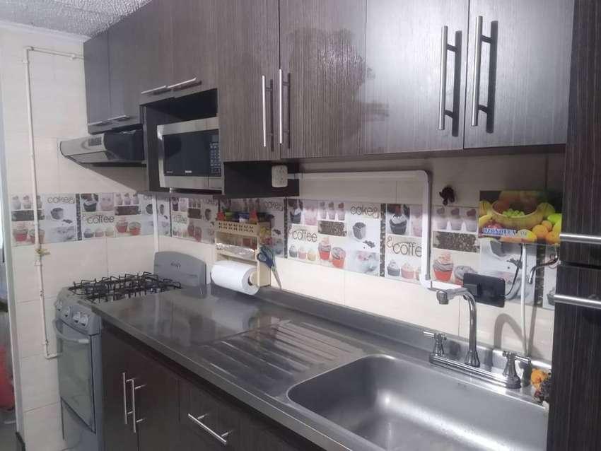 GANGAZO Apartamento remodelado con cocina integral, en excelente estado y ubicación, patio techado  y garaje privado 0