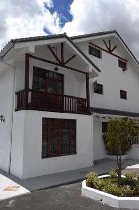 Venta Casa, Sector Colegio Alberth Einstein, Carcelen, Norte de Quito
