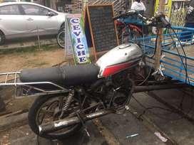 Venta de triciclo moto en buen estado con campana y amplificador 1000w