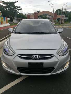 Remato Hyundai Accent 2017 excelente estado!