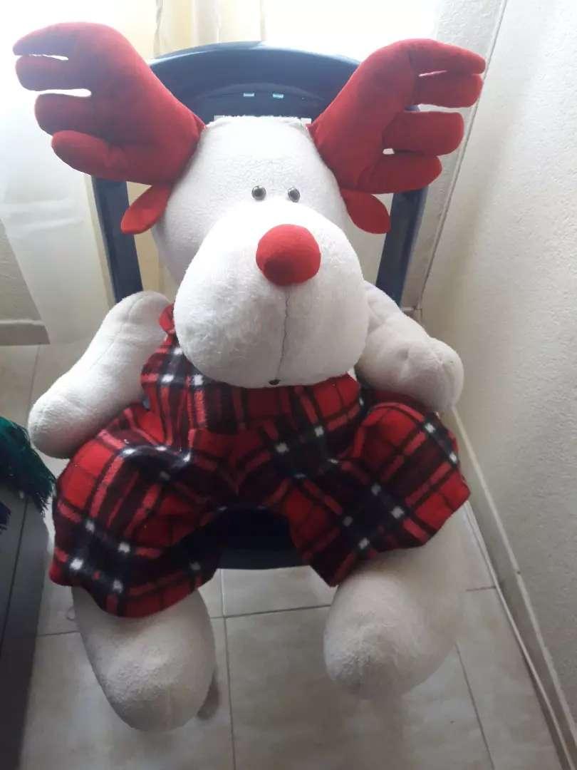 Hermoso reno navideño grande