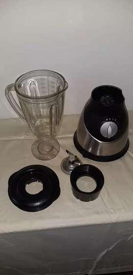Licuadora base mixta metal y plástico
