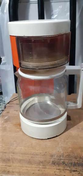 CAFETERA YELMO ANTIGUA
