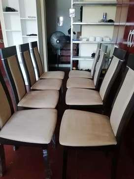 Se vende juego de comedor de 8 sillas 1400