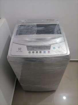 Se vende lavadora de 8 kg electrolux