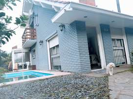 Dueño vende casa 4 ambientes con piscina, barrio caisamar