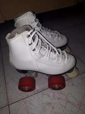 Vendo patin semiprofecional,, con yapa