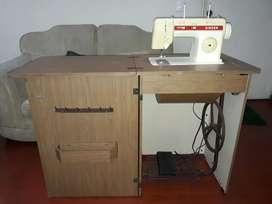 Maquina de coser Singer 2305c con discos y accesorios