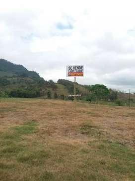 Se vende terreno en el sitio La Carmela De Mosquito