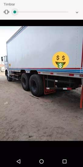 Camión Volvo isotermico