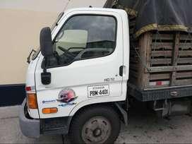 Camion de 4 tonelados 2010 con cajon extragrande de madera, HD72 Hyundai, recuen matriculado  y enllanrado