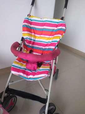 Vendo paseador y silla mesedora