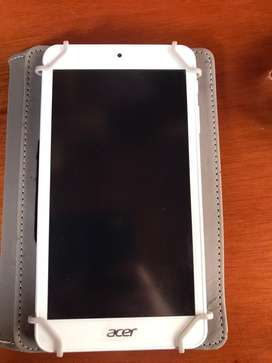 Tablet Marca Acer, en excelente estado, como nueva. Incluye estuche.