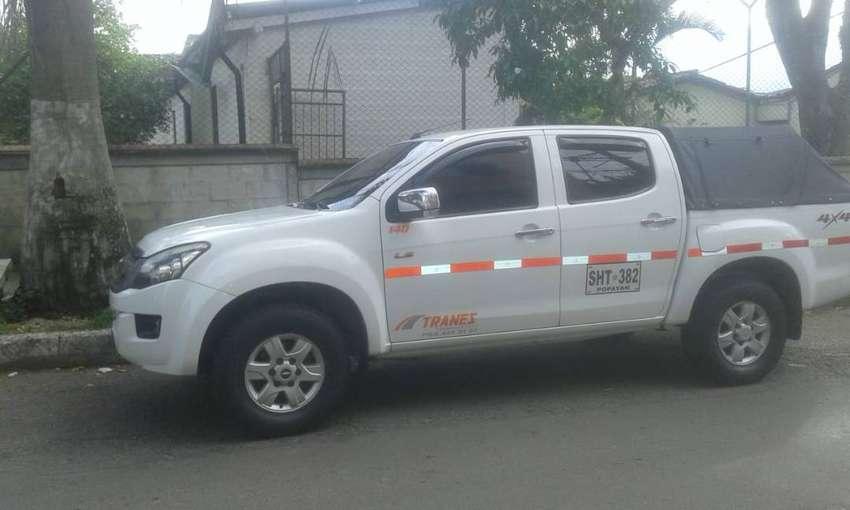 Camioneta Dmax 4x4 CON TRABAJADERO 0