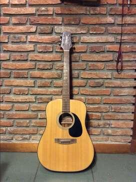 Vendo Guitarra Acústica Takamine GSeries Modelo G320 con micrófono incluido para instalar.