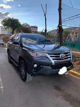 Vendo Toyota Fortuner Gasolinero 2.7 full MT