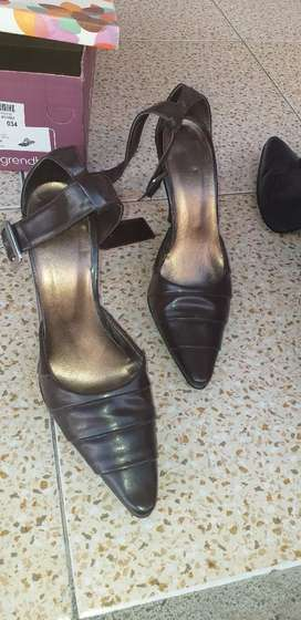Vendo bota y zapatos pulseras