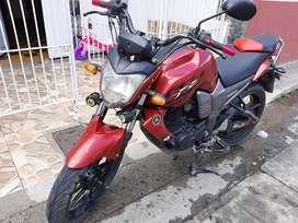 Se vende o permuta por moto de menor valor yamaha fz16 papeles al dia