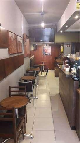 Cafe Marrón requiere Auxiliar Operativa