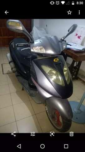 Vendo moto Motomel 2007 escuter