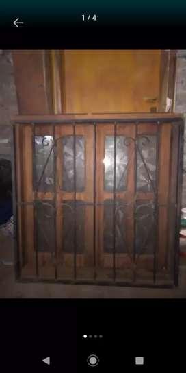 Vendo 2 ventanas con vidrio y rejas