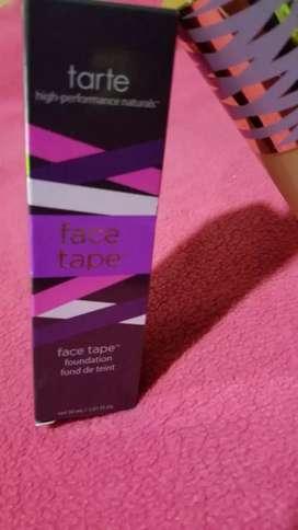 Base de maquillaje Tarte face tape foundation
