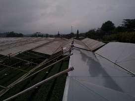 Construcción lavado y mantenimiento de invernaderos