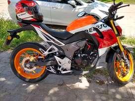 Vendo Honda CB190R Repsol