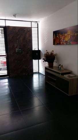 Arriendo apartaestudio Barrio Limonar Un ambiente , una persona , excelentes terminados y excelente ubicacion .