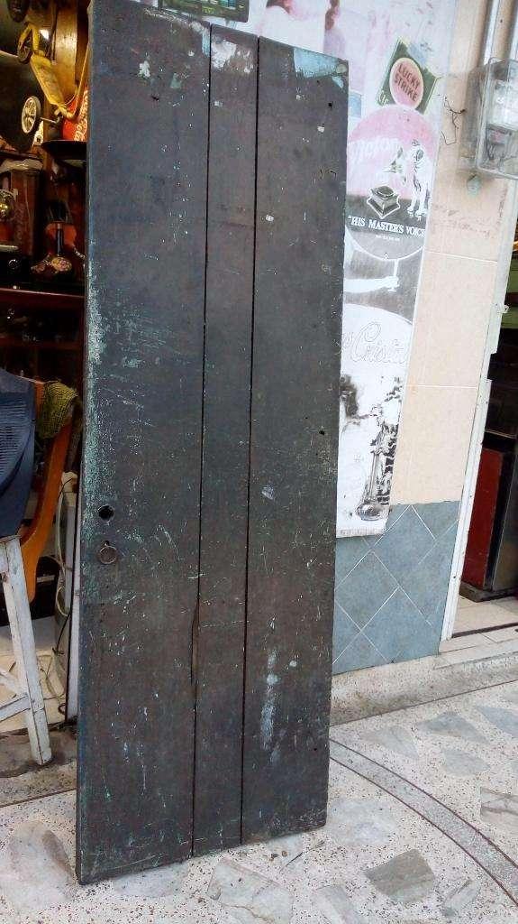 Antigua Puerta en Madera 180 por 84 0