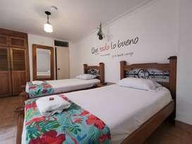 Alquiler de habitaciones con baño privado, a dos cuadras de unicentro, ambiente no familiar. una o dos camas