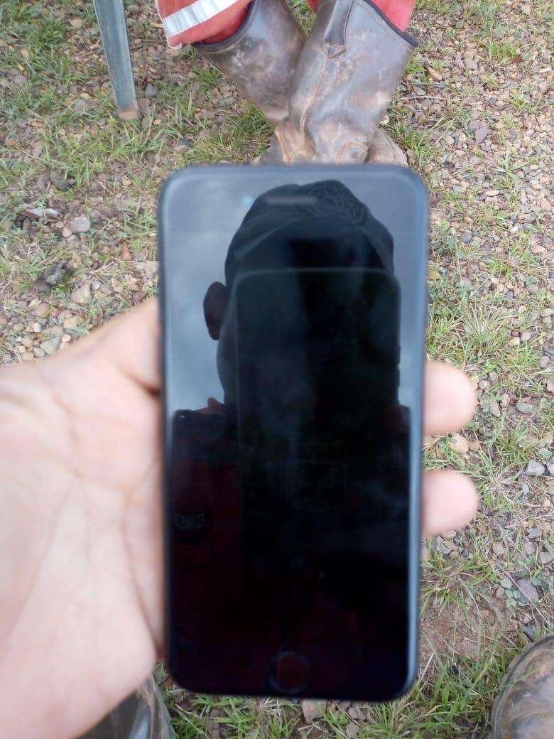 Vendo solo vendo iphone 8 0