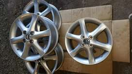 Llantas Toyota Corolla.
