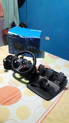 Consola simulador  volante  pedales. Caja de cambios