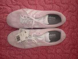 Vendo tenis Adidas de dama