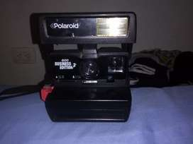 Camara instantánea marca Polaroid 600