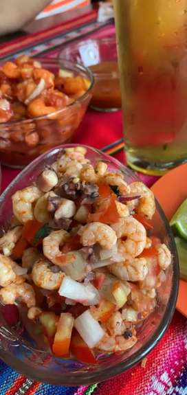 Cocteles y ceviches