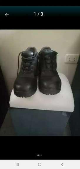Zapato de obra