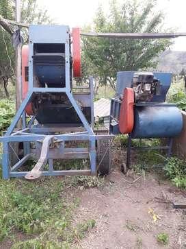 se vende maquina de trillar todo tipo de granos ( arroz, quinua, cebada, trigo, etc etc