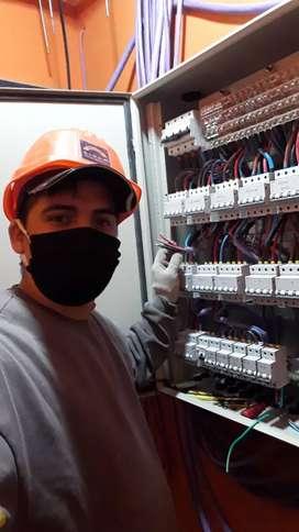 Medio oficial electricista