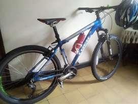Bicicleta en ALUMINIO TREK, Maquinari SHIMANO ORIGINAL