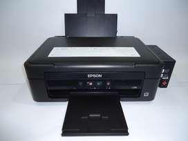 Impresora Epson L210 Multifuncional con sistema original de Tanque de Tinta Imprime, Copia y Escáner