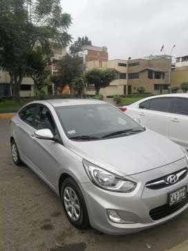 Vendo Hyundai Accent 2011 mod 2012 Automatico